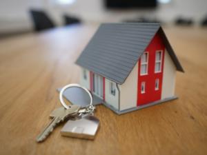 A house model with keys